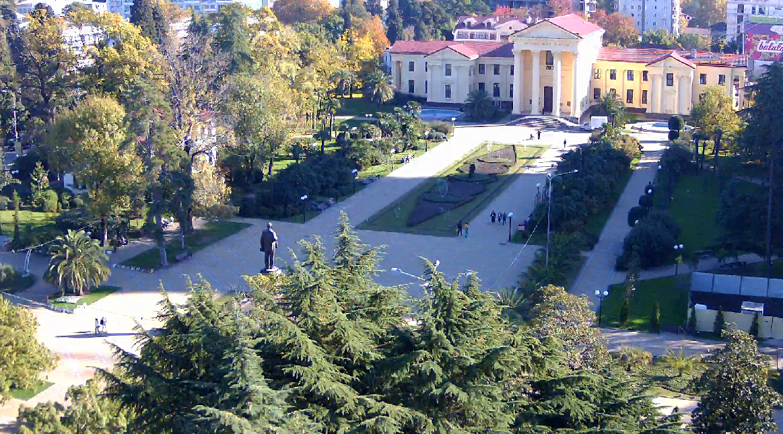 Веб камера онлайн на Площади Искусств в Сочи
